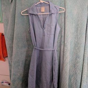 Sleeveless chambray shirtdress